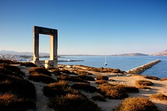 Apollo Temple's entrance - Portara (ika_pol) Tags: naxos greece cyclades cycladesislands greekislands morning port geotagged mediterranean naxostown aegeansea sea aegean palatia protara apollo apollotemple