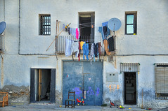 (325/16) La casa (Pablo Arias) Tags: pabloarias photoshop nxd texturas arquitectura casa plantabaja ropatendida juguetesvillajoyosa alicante comunidadvalenciana