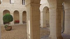 DSCF0115 Couvent des Minimes, Aubeterre-sur-Dronne (Charente) (Thomas The Baguette) Tags: aubeterresurdronne charente france monolith cave church tympanum glise glisenotredame saintjacques caminodesantiago sexyguy chateau cloister minimes mithra mithras cult