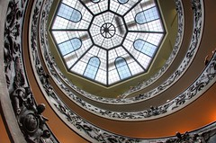 The spiral (RobertH) Tags: rome vatican museum stairs staircase spiral hdr