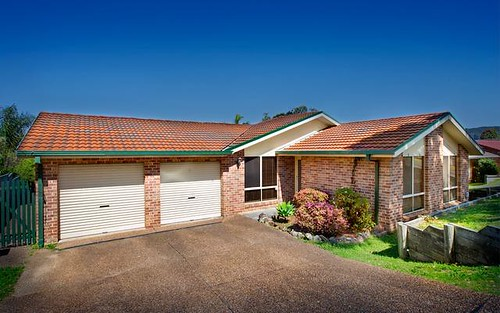 243 Cresthaven Avenue, Bateau Bay NSW 2261