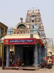 Kamakshi Temple, Jonnavada, Nellore, Andhra Pradesh (v s raam (on/off)) Tags: sakthi shakthi sakti shakti sankara sankaracharya shankaraycharya adisankara adishankara adisankaraycharya adishankaracharya energy primodial nellore jonnawada jonnavada kamakshi mallikarjuna kasyapa penna sage pinakini andhra andhrapradesh jagadguru 12thcentury parvathy siva shiva