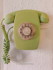 (macarena merino) Tags: cuentame telefono vintage donostia mm macarenamerino telefonica casa telefonofijo fijo wwwmacarenamerinocom recuerdos infancia phone telephone fijoscasa