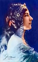 Geraldine Farrar als Salomé (zimmermann8821) Tags: atelierfotografie deutscheskaiserreich diva fotografie fotografiekoloriert mannequin oper opernsängerin sängerin vorführdame