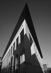 The Whole Point (Edward Brooke Courthouse) (iMatthew) Tags: brutalism brutalistarchitecture architecture bostonarchitecture boston governmentcenter bw edwardburkecourthouse