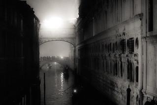 Pont des soupirs de nuit