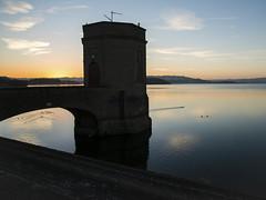 Chew Valley at Dawn (Stuart.67) Tags: water reflection reservoir blue sky nikon d800 dawn sun rise birds