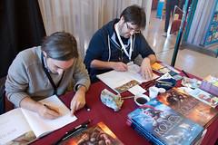 Thomas Balard et Chandre en ddicace (zigazou76) Tags: chandre dessinateur ddicace festivaldulivredejeunesse halleauxtoiles rouen thomasbalard