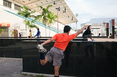 * (Sakulchai Sikitikul) Tags: street reflection thailand athletics streetphotography snap songkhla ricoh stretching hatyai ricohgrv
