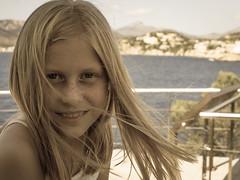 2014 Santa Ponsa Julie 2 (jeanseier) Tags: sea summer girl spain julie sommer desaturation mallorca spanien hav santaponca balearic pige santaponsa