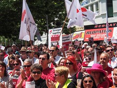 PB060118.jpg (Leo in Canberra) Tags: rally protest australia demonstration canberra act wearred countonme joinnow cpsu strongertogether garemaplace proudtobeunion 6november2014 rallytosafeguardyourrightspayandconditions