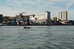 Schlauchboot Sevylor Supercaravelle XR86GTX ( Super - Caravelle - Gummiboot ) auf dem Rhein ( Hochrhein - Fluss - River ) zwischen W.ehr A.ugst - W.hylen und W.ehr B.irsfelden im Kanton Basel Landschaft in der Schweiz (chrchr_75) Tags: chriguhurnibluemailch christoph hurni schweiz suisse switzerland svizzera suissa swiss chrchr chrchr75 chrigu chriguhurni 1410 oktober 2014 albumzzzz141019rheinrheinfeldenbirsfelden hurni141019 oktober2014 gummiboot gummiboote schlauchboot schlauchboote boot jolle dinghy boat jolla canot ディンギー sloep bote albumschlauchbootegummibooteunterwegsinderschweiz sevylor super caravelle supercaravelle xr86gtx rhein rhin reno rijn rhenus rhine rin strom europa albumrhein fluss river joki rivière fiume 川 rivier rzeka rio flod río rheinschifffahrt schifffahrt gütermotorschiff schiff ship bateau frachtschiff frachtschifffahrt