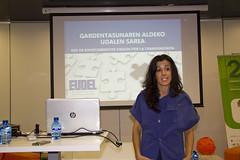 En la imagen se puede ver a Esther Ibarlucea, técnica de Eudel, durante su presentación
