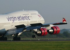 G-VLIP (AnDrEwMHoLdEn) Tags: manchester airport landing virgin 747 virginatlantic manchesterairport egcc 05r