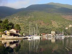 Mar-Jonico-veleros (Aproache2012) Tags: navegar flotilla familiar cicladas peloponeso grecia velero catamarn mediterrneo