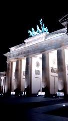 Brandenburg Gate at night (Sparky the Neon Cat) Tags: europe germany deutschland berlin mitte brandenburg gate brandenburger tor neoclassical quadriga sculpture chariot night
