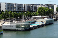 Floating swimming pool (eutouring) Tags: paris france city life citylife pariscitylife travel swimmingpool piscine floating floatingswimmingpool