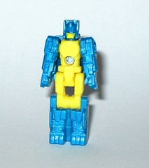 nightbeat transformers generations titans return titan master hasbro 2016 c (tjparkside) Tags: nightbeat transformers generations titans return titan master hasbro 2016 mosc autobot autobots transformer headmaster headmasters g1 g 1 one generation drill tank aircraft gun cannon blaster weapon weapons mode modes
