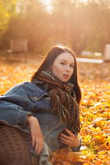 Her (Faanatar) Tags: canon 500d 50mm 18 ii girl woman women tytt nainen her she hen hon turku bo suomi finland portrait muotokuva basic autumn fall sun sunshine sunray sunlight leaf leaves yellow scarf classy classical classic klassinen