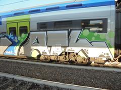 012 (en-ri) Tags: atl nero verde bollicine train torino graffiti grigio writing