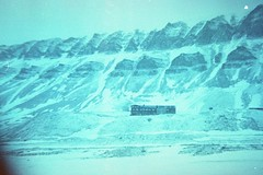 (ystein Aspelund) Tags: frozen truenorth arctic desolate landscape nature ice snow may moutains cabin settlement svalbard