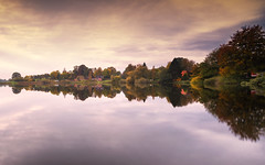 Houses at the lake (Stefan Sellmer) Tags: schleswigholstein autumn d750 stimmung see water germany mood outdoor lake light longexposure sunday feldersee spiegelungen reflections clouds licht wolken silence felde deutschland de