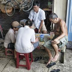 Retrato partida (Crisologo) Tags: retrato portrait people personas jugo game hombre man men street callejero