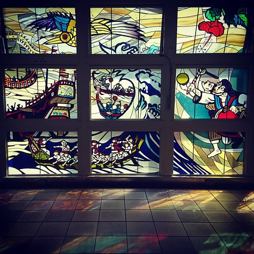 #vitrail #stainedglass #naha #okinawa #kyushu #japan #craft #light #colorful