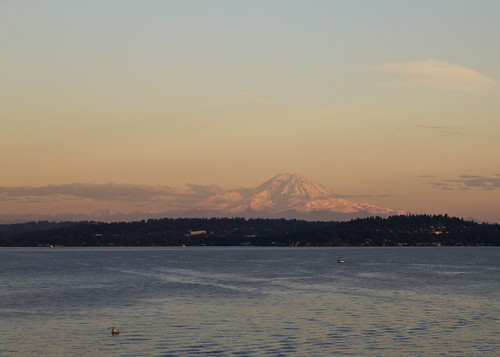 Mt Rainier from 520 bridge