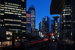 La Dfense (Noir et Blanc 19) Tags: paris ladfense immeubles soir nuits nightlights sony a77