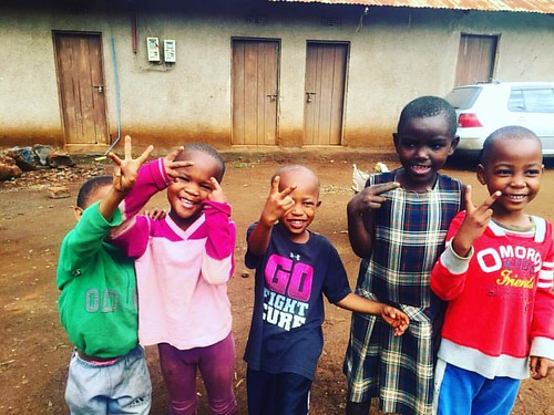"We're always HAPPY on Friday!!! It's the weekend and we are gunna play, play, play! #bigsmiles #dueces #funnykids #tuleeniorphans • <a style=""font-size:0.8em;"" href=""http://www.flickr.com/photos/59879797@N06/30875898965/"" target=""_blank"">View on Flickr</a>"