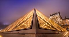 Cour Napoléon - Pyramide du Louvre (patryk.rivet) Tags: paris pyramide louvre musée
