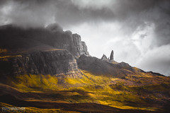 Old man of Storr (Steffen Walther) Tags: 2016 reise schottland scotland travel landscpae uk britain canon5dmarkii canon70200l4is oldmanofstorr trotternish outdoor hiking mountains rocks cliff green clouds sun needle isle meadows vsco reisefotolust skye