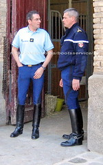 bootsservice 07 7997 1 (bootsservice) Tags: arme army uniforme uniformes uniform uniforms cavalerie cavalry cavalier cavaliers rider riders cheval horse bottes boots ridingboots weston eperons spurs equitation gendarme gendarmerie militaire military garde rpublicaine paris