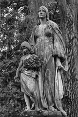 Motherlove (michael_hamburg69) Tags: hamburg germany deutschland cemetery ohlsdorf ohlsdorferfriedhof friedhof gottesacker sculpture skulptur female mother daughter mutter tochter 1897 grabmaloetling standortw21