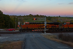 Drag Race? (tim_1522) Tags: missouri mo railroad railfanning rail bnsf burlingtonnorthernsantafe marceline sub subdivision grade crossing cars dodge charger generalelectric gevo es44c4 et44c4 tier4