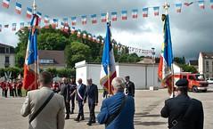 Contrexéville : 14 juillet 2016 (Graffyc Foto) Tags: contrexeville 14 juillet 2016 drapeaux autorites mr le maire luc gerecke nikon d700 graffyc foto vosges lorraine cite thermale fete nationale ceremonie militaires bleublancrouge