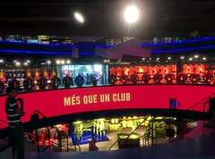 "Tienda del Camp Nou 3 • <a style=""font-size:0.8em;"" href=""https://www.flickr.com/photos/66680934@N08/15303773600/"" target=""_blank"">View on Flickr</a>"