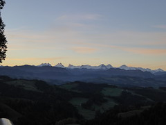 Ober Rafrti 1202m - vor Sonnenaufgang (HITSCHKO) Tags: schweiz switzerland suisse bern svizzera sonnenaufgang morgen emmental berneroberland svizra berneralpen lderenalp ltzelflh rafrti