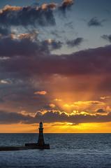 Roker Lighthouse, Sunderland (DM Allan) Tags: sunrise dawn northsea sunderland roker wearside