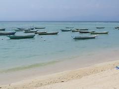 "Notre plage à Nusa Lembongan <a style=""margin-left:10px; font-size:0.8em;"" href=""http://www.flickr.com/photos/83080376@N03/15438412577/"" target=""_blank"">@flickr</a>"