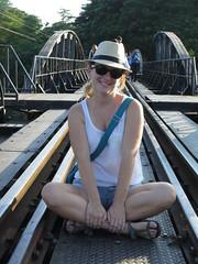"""Sur le pont de la rivière Kwai <a style=""""margin-left:10px; font-size:0.8em;"""" href=""""http://www.flickr.com/photos/83080376@N03/15537694457/"""" target=""""_blank"""">@flickr</a>"""