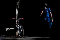 La peregrina (Rober Fuente) Tags: street santiago bike camino streetphotography bicicleta bici peregrina