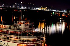 The Delta Queen & Walnut Street Bridge (Roland 22) Tags: red orange white mist black reflection green fog night hotel evening flickr glow purple tennessee northshore lamps steamboat walnutstreetbridge riverbank tennesseeriver chattanoogatn bluffview huntermuseum deltaqueenhotelriverboat