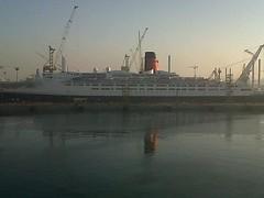 QE2 Dubai Dry Docks 2013 (Louis De Sousa) Tags: qe2 dubai dry docks port vila rashid legend cunard dock nakheel dp world queenelizabeth2 portrashid dpworld