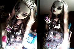 Monster High - Frankie Stein (ArrianeAvenge) Tags: blue sea monster high doll dolls frankie collection fantasy monsters stein 2009 mattel collector 2010 frankestein 2011 lagoona frankiestein