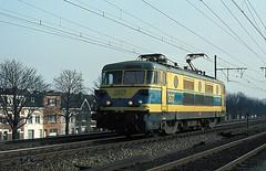 2617  Berchem  11.02.82 (w. + h. brutzer) Tags: analog train nikon 26 eisenbahn railway zug trains locomotive berchem belgien lokomotive elok eisenbahnen sncb eloks webru