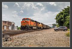 BNSF with coal train, Memphis/TN, May/28/2012 (kuknauf) Tags: memphis tennessee vereinigtestaaten usa rail railroadphotography bnsf ge es44dc emd sd70mac vlak spoorwegen railroad railway treno trein