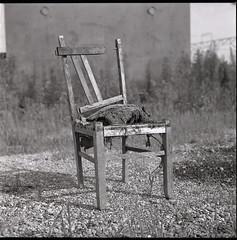 0736 (nori 4_4) Tags: chair yashicamat124g vp120 d76 11 1991 yokohama