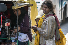 INDIA7952/ WE R  ALL BEGGARS!!!!!!!!!! (Glenn Losack, M.D.) Tags: india beggars mothers children photojournalism